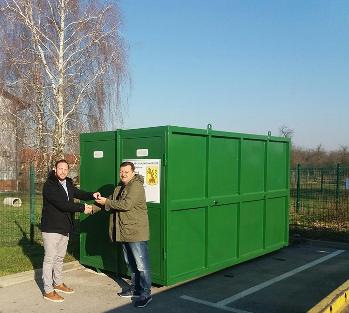 Jedna od općina koja se uskladila s pravilnikom, i novom uredbom o gospodarenju komunalnim otpadom! Mobilno reciklažno dvorište omogućuje građanima adekvatno odvajanje otpada kako bi se smanjila ukupna količina komunalnog otpada te sačuvao okoliš.