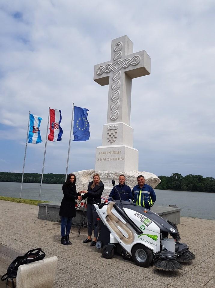 ČESTITAMO komunalnom poduzeću Komunalac d.o.o. iz Vukovara na novoj TSM elektro cestovnoj čistilici! ♻️♻️♻️ 0 % emisije štetnih plinova ♻️♻️♻️ 100% EKOLOGIJA