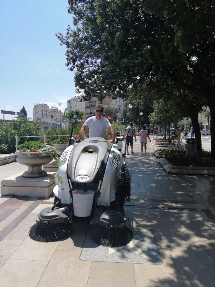 ČESTITAMO Parkovima Opatija na novoj TSM elektro cestovnoj čistilici! ♻️0 % emisije štetnih plinova ♻️ 100% EKOLOGIJA