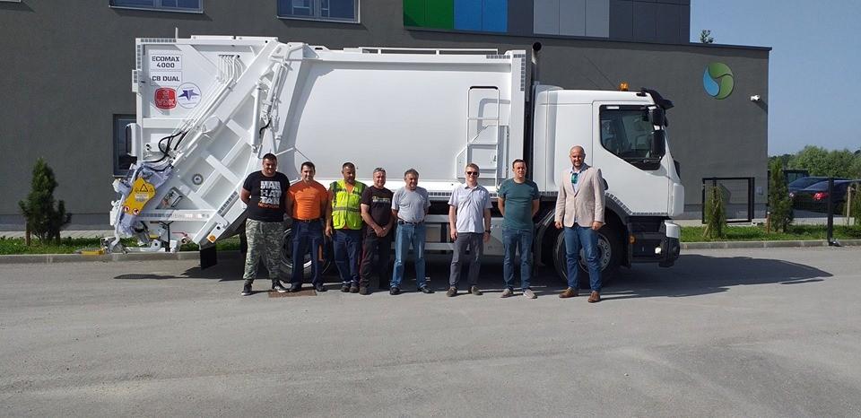 TECHNO WIN d.o.o. isporučio je novi kamion za prikupljanje i odvoz otpada belgijskog proizvođača MOL CY - VDK u Komunalno poduzeće Križevci! Čestitamo i želimo puno uspjeha u radu! ✅ 5 godina jamstva ✅ Kompletna nadogradnja izrađena od HARDOX čelika