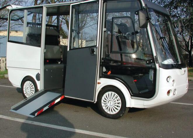 Tecno Win, Geco je svestrano i funkcionalno vozilo koje nudi nova rješenja za održivu mobilnost unutar ograničenih prometnih zona, urbanih centara, logističkih centara, zelenih površina. Omogućuje znatno smanjenje troškova vezanih uz kilometražu, poreze i osiguranje. Jedini troškovi su baterije i gume. Zajamčena ušteda., električni minibus Geco