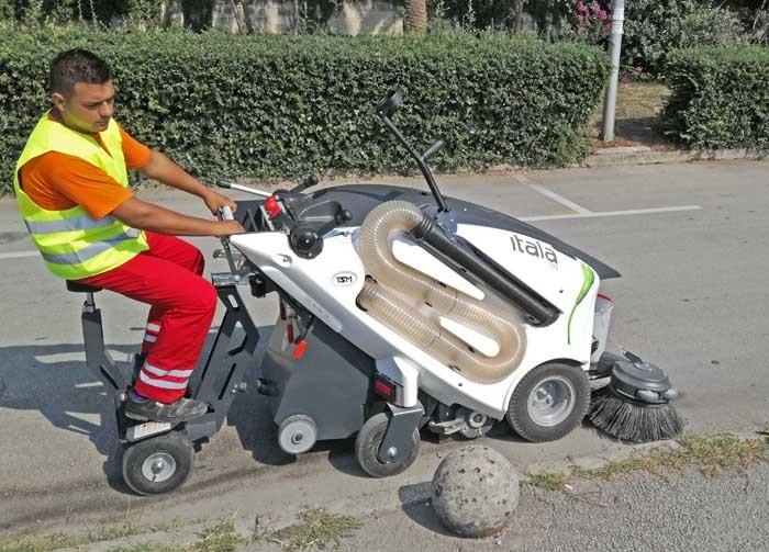 """ČESTITAMO poduzeću """"Čistoća"""" iz Herceg Novog na novoj TSM elektro cestovnoj čistilici! ♻️0 % emisije štetnih plinova ♻️100% EKOLOGIJA ♻️PAMETNI GRADOVI"""