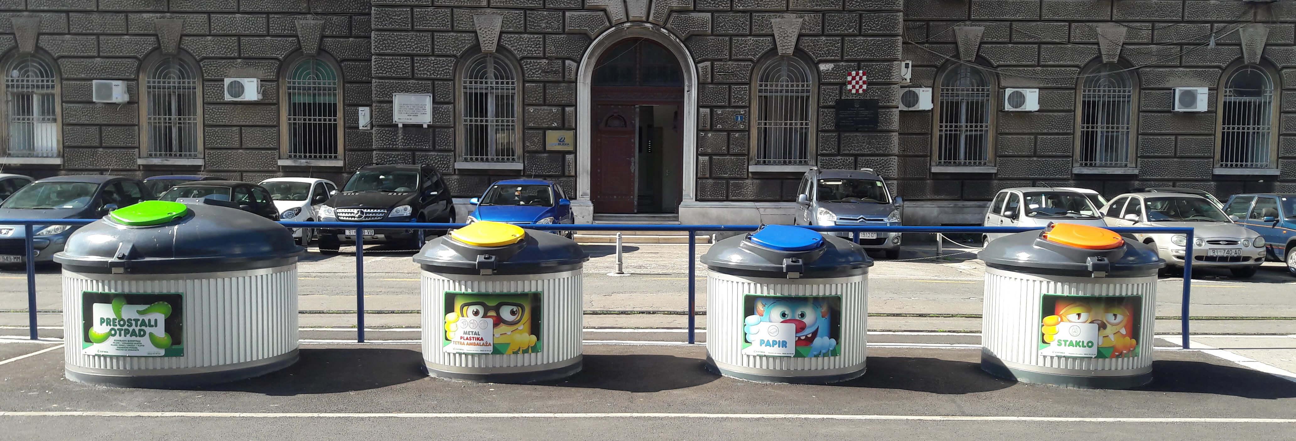 Sve veće količine otpada negativno utječu na okoliš i zahtijevaju povećanje svijesti o okolišu te brzo uvođenje promjena na području gospodarenja otpadom u zakonodavstvu ali i razvoju tehnoloških rješenja prihvatljivih za prirodu. Jedno od takvih rješenja zasigurno je implementacija polupodzemnih spremnika! Polupodzemni spremnici smanjuju broj odvoza otpada, racionaliziraju troškove, uklapaju se u okolinu, neutraliziraju neugodne mirise te omogućuju primjenu pametnih sustava praćenja popunjenosti spremnika. ECO DIP polupodzemni spremnici pravo su rješenje stoga javite se našem prodajnom timu za dodatne informacije i preporuku odgovarajućeg tipa spremnika