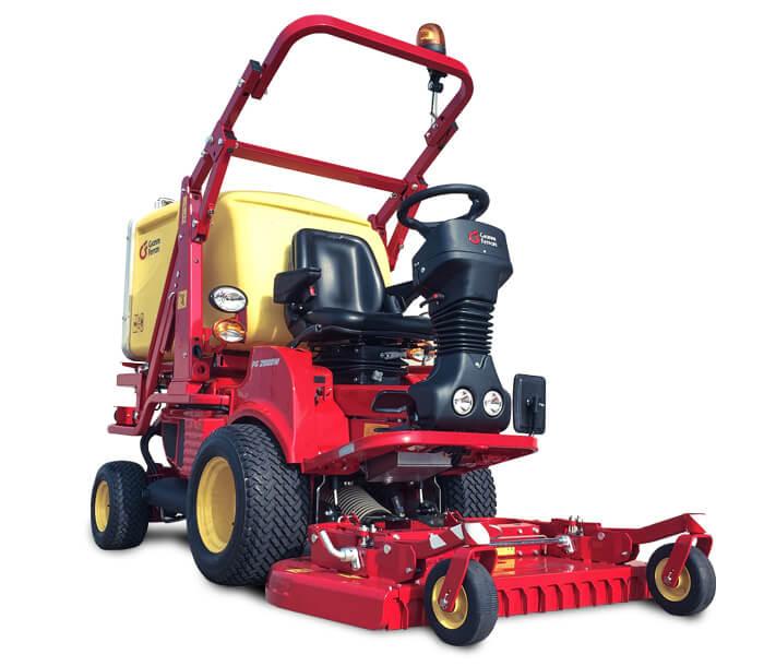 Profesionalni strojevi Gianni Ferrari PG SU MOĆNI I KOMPAKTNI. Sustav za sakupljanje turbina integriran je u stroj: bez vanjskih dijelova koji opterećuju i s nenadmašnim kapacitetom sakupljanja. Gianni Ferrari PG je višenamjenski stroj za održavanje zelenih površina i otvorenih prostora. Specijalizirajući se za rezanje i sakupljanje trave, također sjajan u mnogim drugim primjenama.